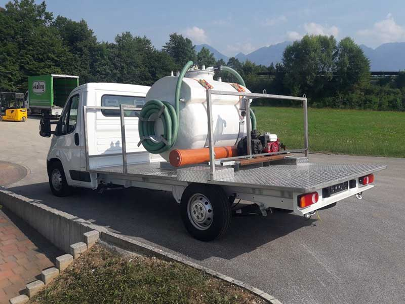 Ecoling superstructure for the vehicle, together with the manufacture and installation of a polyester septic tank